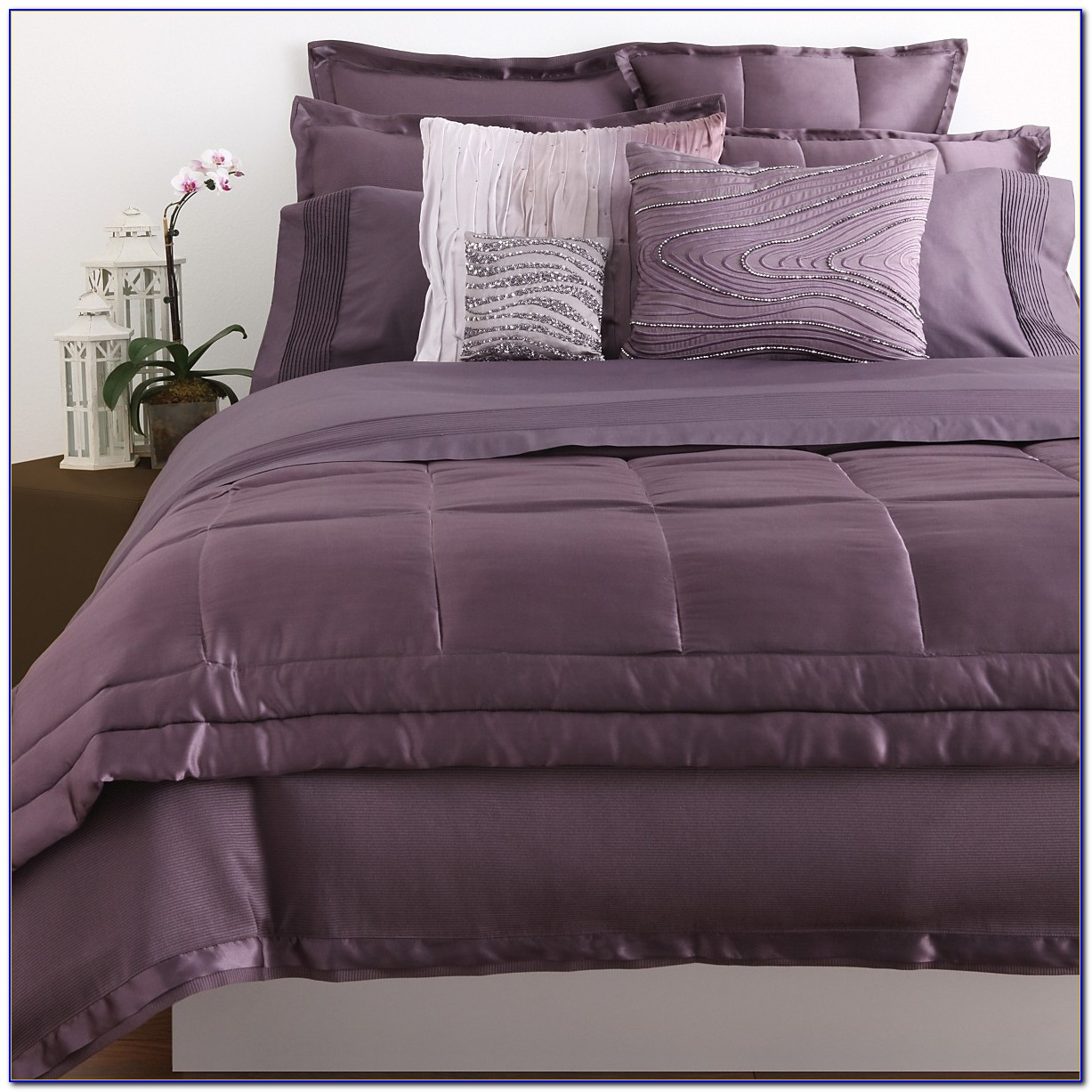 Classy donna karan bedding with Cushion and pillows also beautiful duvet cover and sidetable and luxury wall paint color