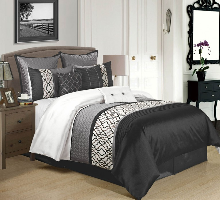 Cozy Bedroom With Black And White Comforter Sets And Laminate Porcelain Floor Also Curtain And Sidetables
