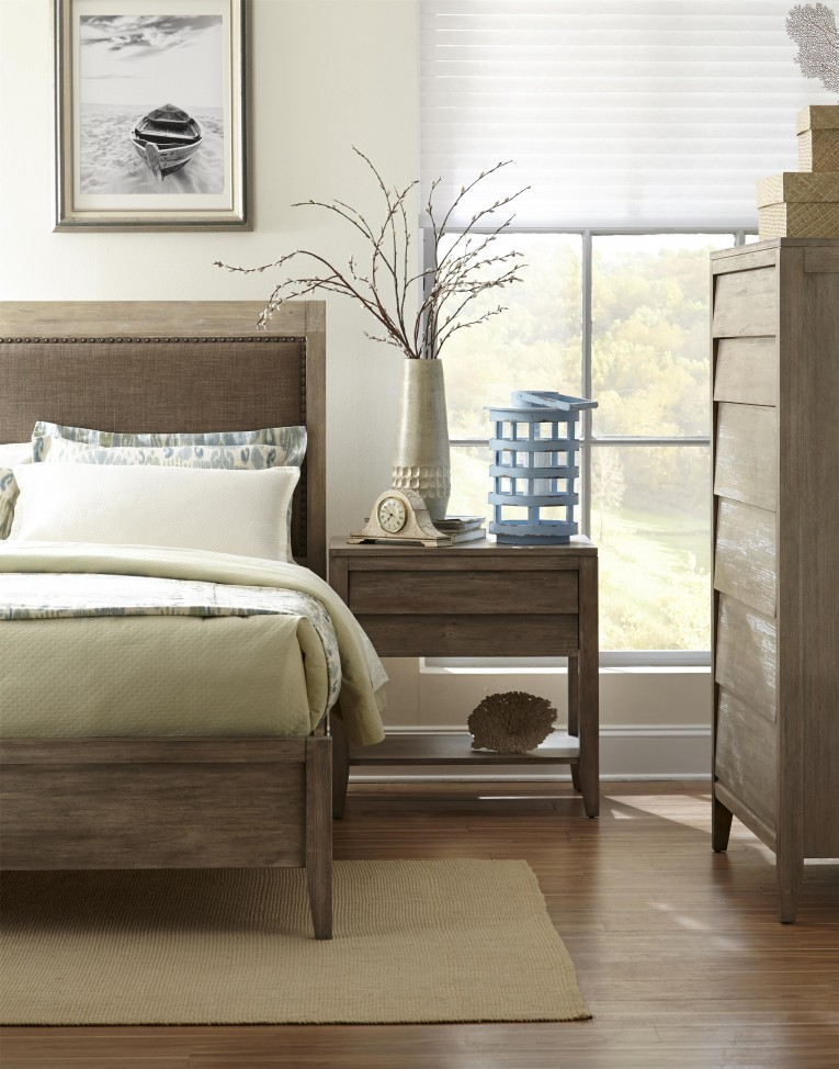 Enticing Romance Bedding With Headboards Combined With Rugs And Sidetables Also Lamps Plus Sofas From Cresent Furniture For Your Home Furniture Ideas