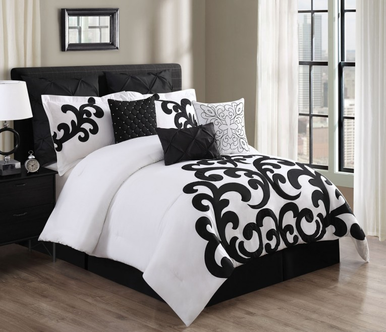 Exquisite Bedroom With Black And White Comforter Sets And Laminate Porcelain Floor Also Curtain And Sidetables
