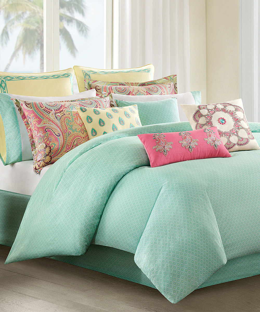 Fascinating light green natori bedding and pillows