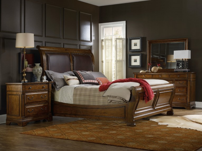 Luxury Headboars King Sleigh Bed With Royal Duvet Cover And Luxury Sheets Also Unique Area Rug Above Laminate Flooring Ideas