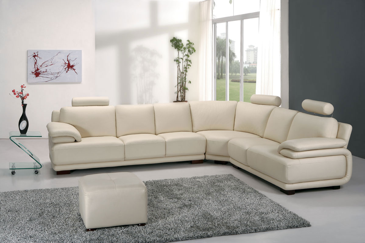 Elegant Furniture Combined with Living Room Sectionals: Luxury Living Room Sectionals And Rug Also Lowes Small Table