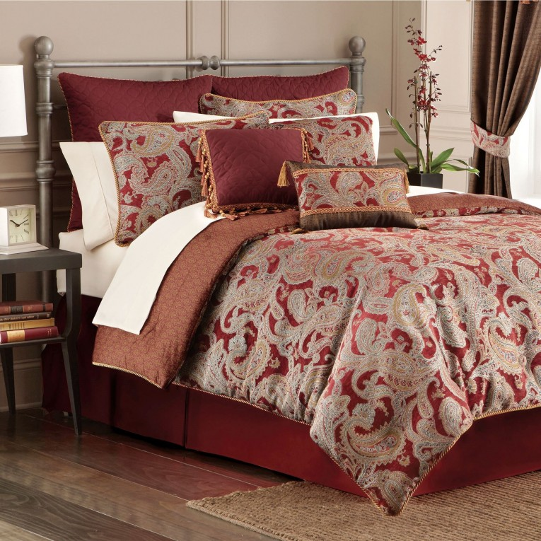 Mesmerizing Comrforter Set Light Of Paisley Comforter With Pillows And Unique Sidetable And Nightlamps