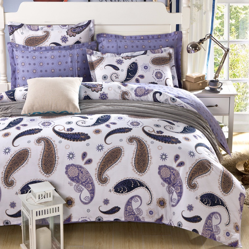 Unique Comrforter set light of paisley comforter with pillows and unique sidetable and nightlamps