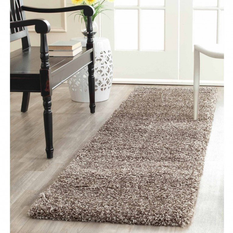 Amazing Maples Rugs With Black Chair And White Chair