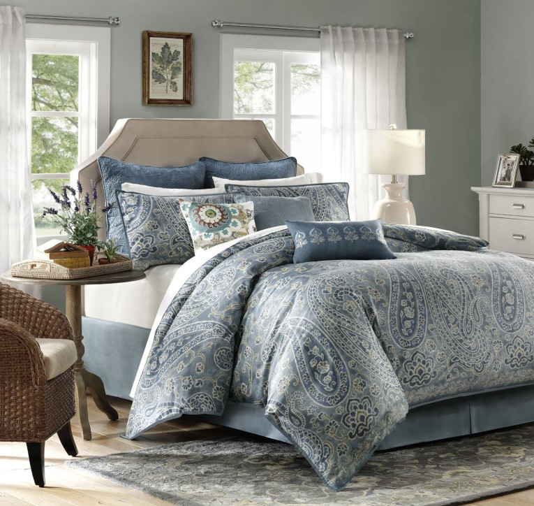 Astonishing Comrforter Set Light Of Paisley Comforter With Pillows And Unique Sidetable And Nightlamps