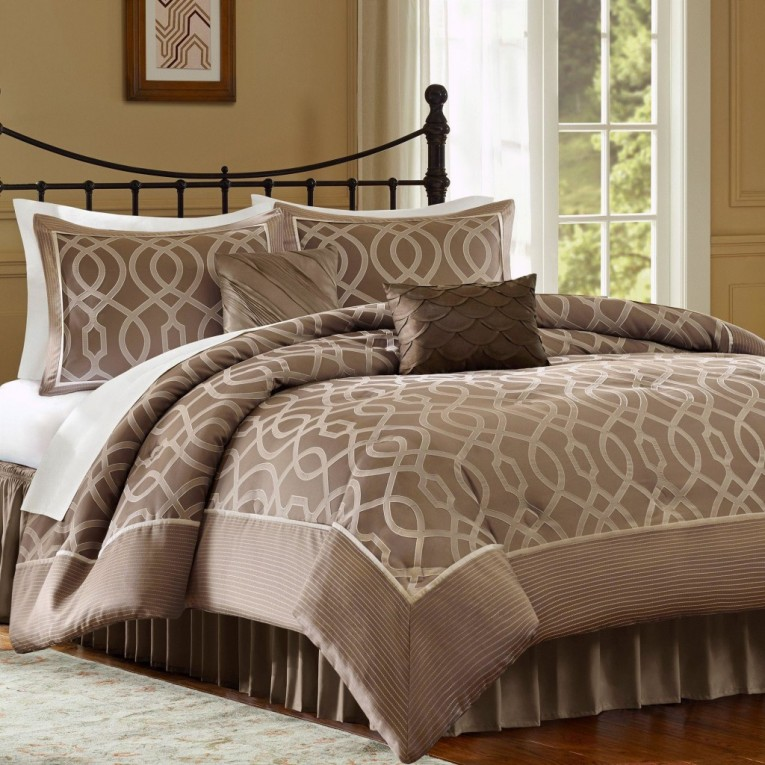 Awesome Headboard With Bedding Sets King