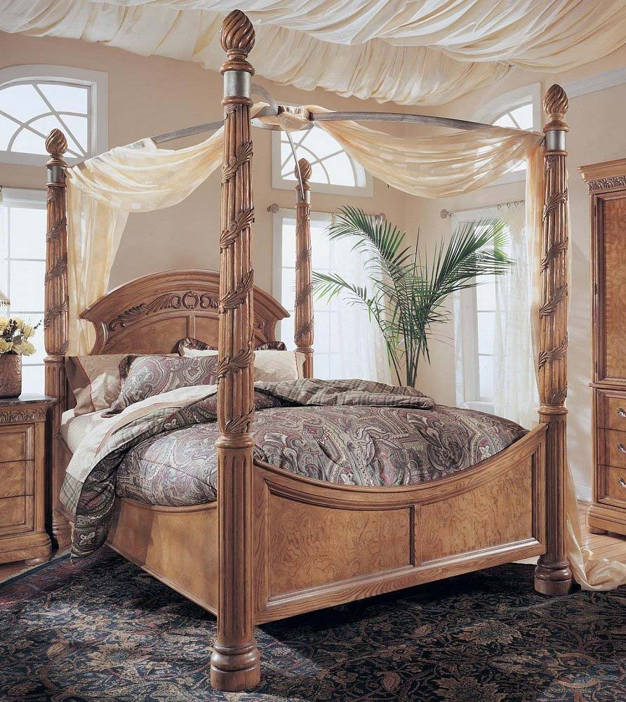 gorgeous king size canopy bed with amusing rug and beautiful curtain