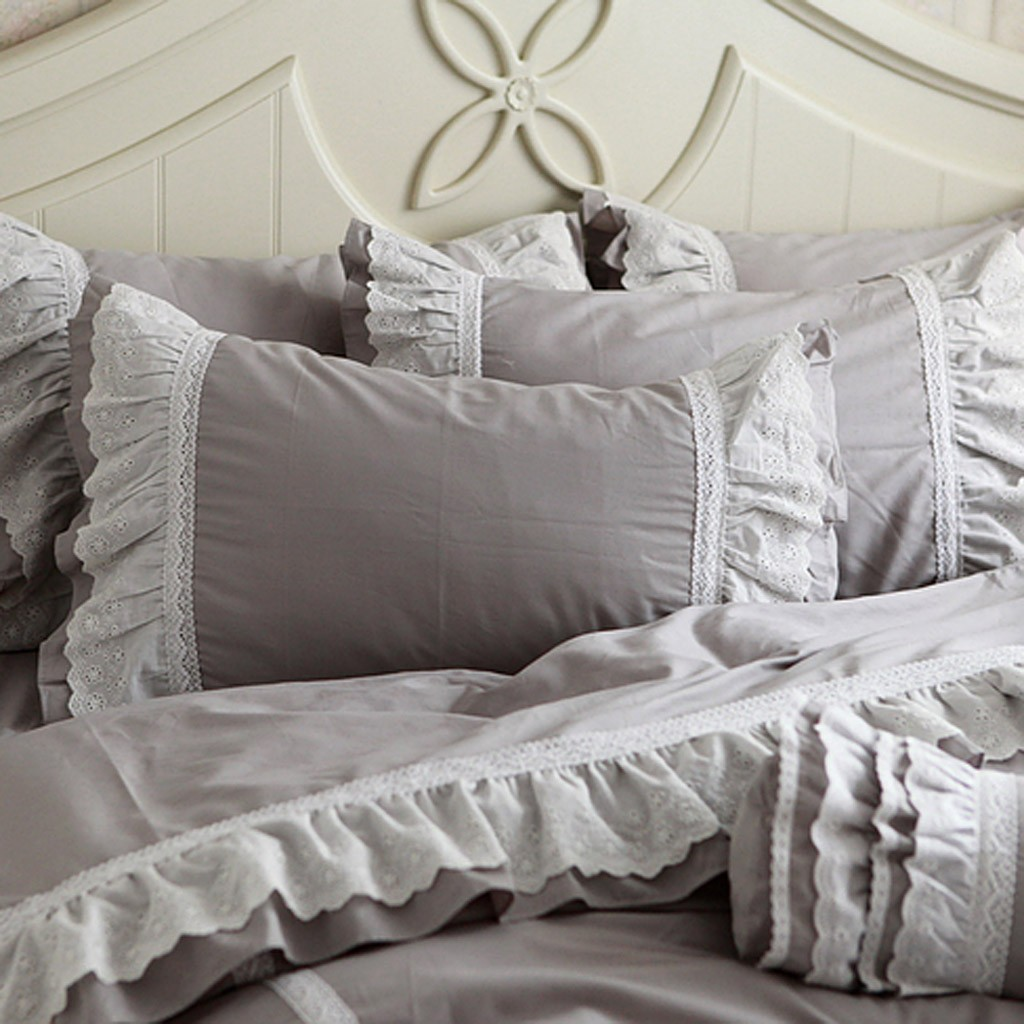 Beautiful Ruffle Comforter is The Best Idea for Queen Bedsize: Gray Pillow Combine White Ruffle Comforter
