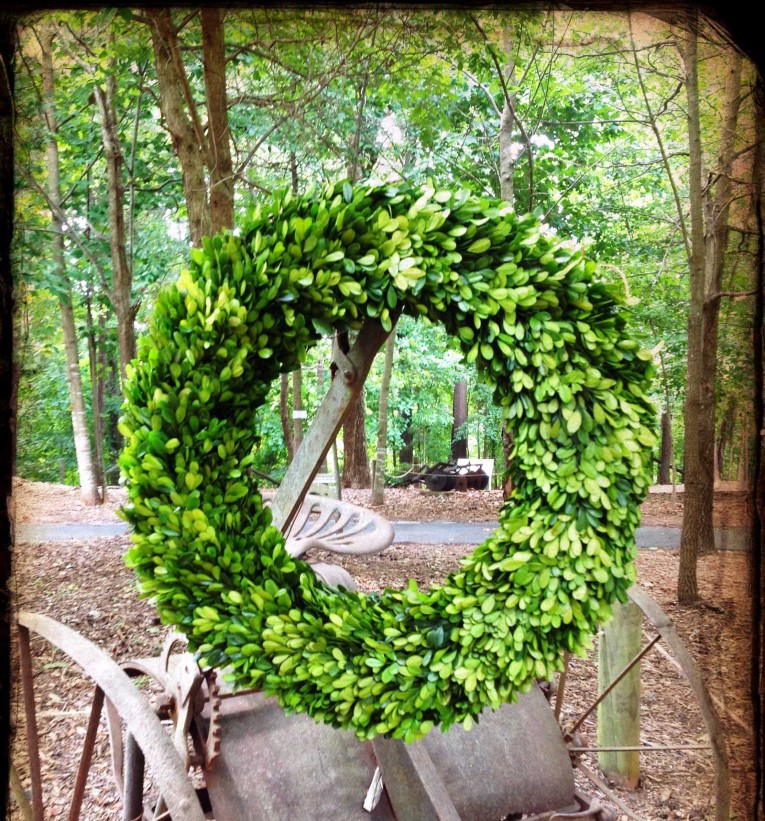 Lovely Circle Artificial Boxwood Wreath