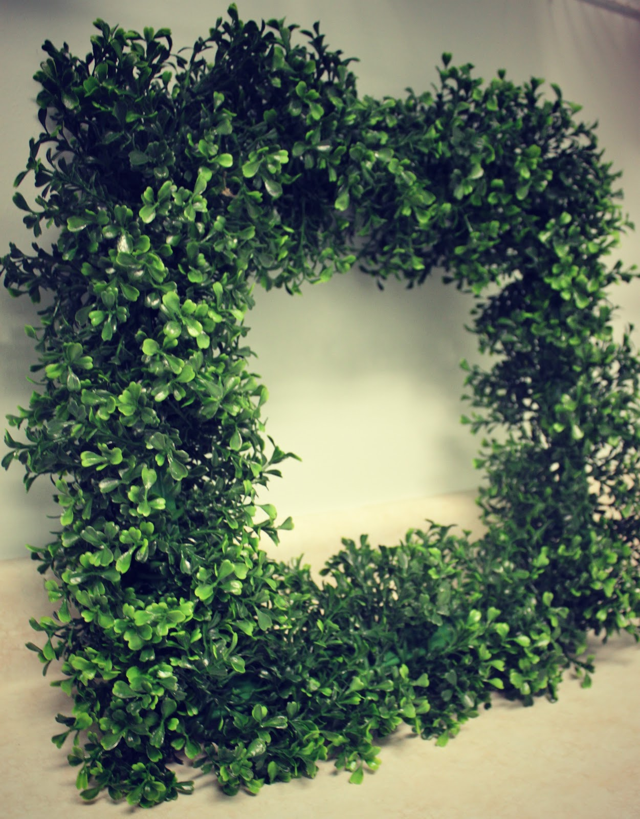 luxury artificial boxwood wreath with square design