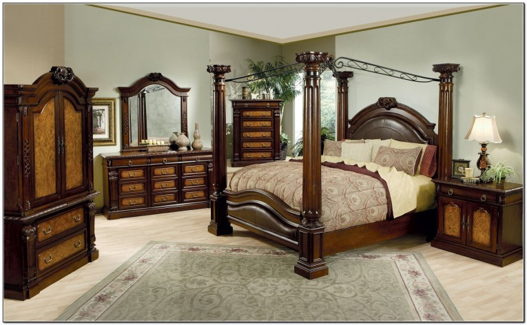 Luxury King Size Canopy Bed With Dresstable And Comforter Sets Also Rug