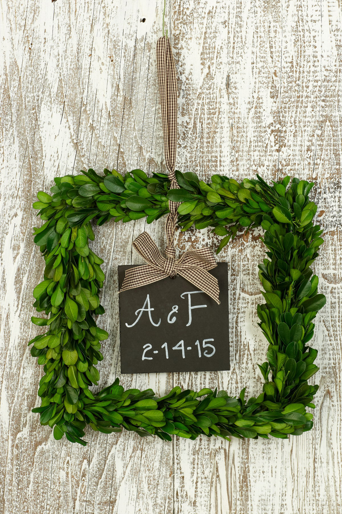 Mesmerizing Square Artificial Boxwood Wreath