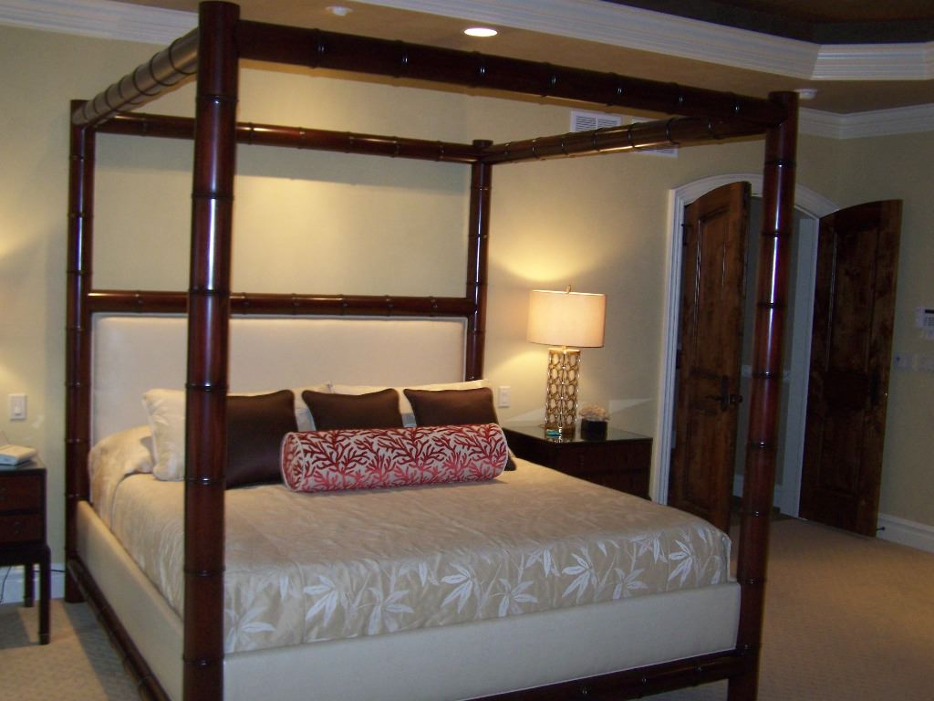modern king size canopy bed