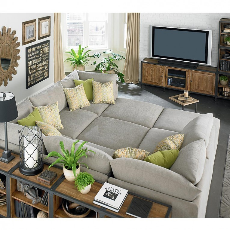 Tv Plasma With Living Room Sectionals And Rugs