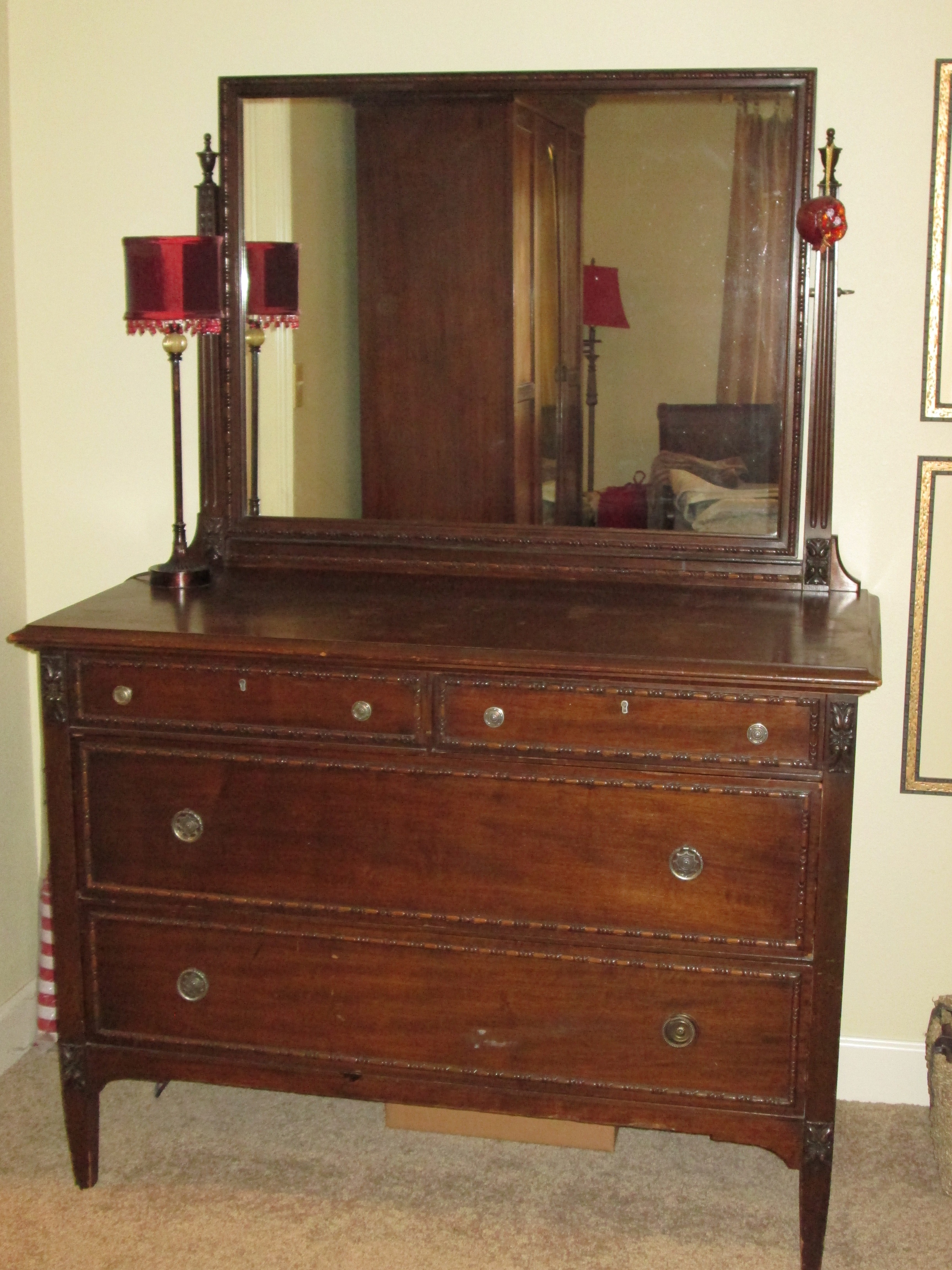 wonderful mirror 4 drawer dresser